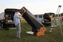 Another big dobsonian telescope